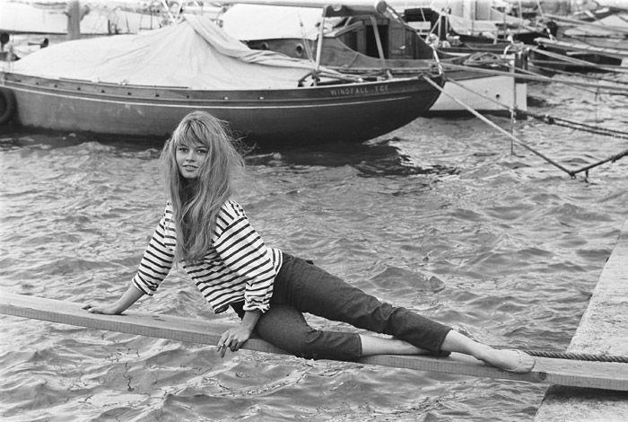 brigitte-bardot-cropped-jeans
