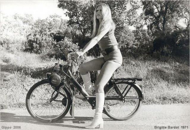 brigitte_bardot_velosolex_2