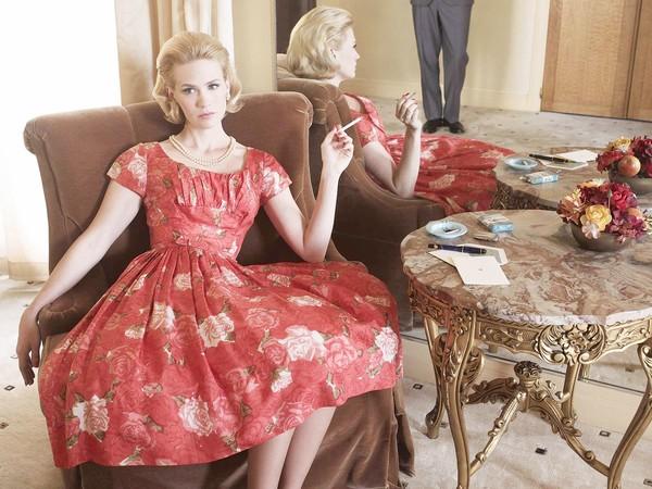 "[Betty Draper (January Jones) in ""Mad Men"", from Season 4.] *** []"