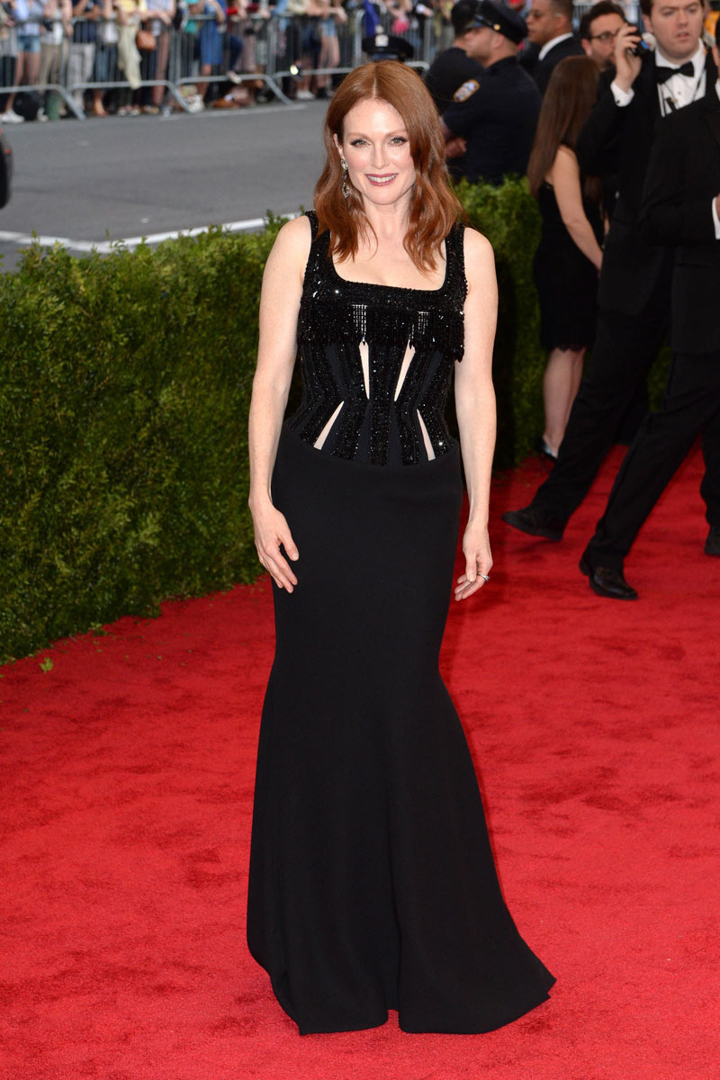 julianne moore - givenchy